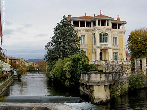 l 39 isle sur la sorgue france a photo tour of a french paradise. Black Bedroom Furniture Sets. Home Design Ideas