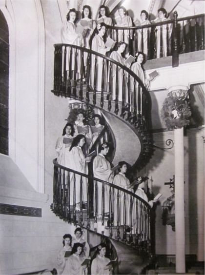 Loretto Chapel Mystery Of The Miraculous Staircase