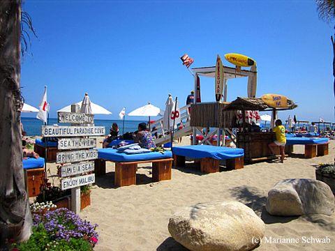Paradise Cove In Malibu California Signs Of Fun At The Beach